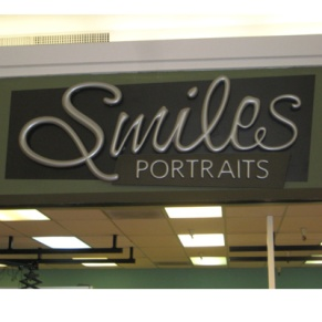 In-Store-Signage_SmilePortraitsSignage-By_The_Image_Foundry